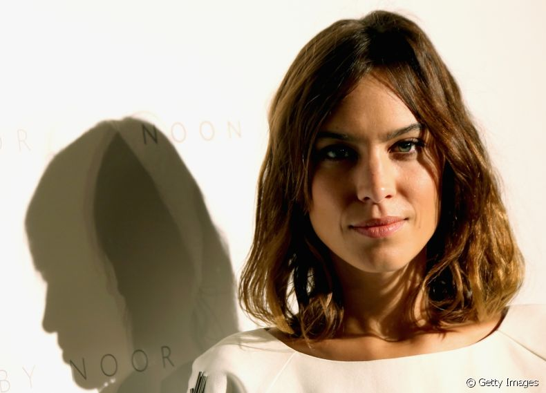 A it girl Alexa Chung é fã do corte de cabelo blunt cut