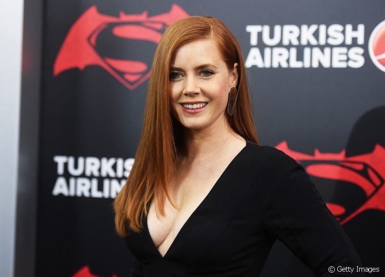 Amy Adams apostou no ruivo acobreado, que é super natural