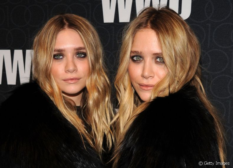 As irmãs Mary Kate e Ashley Olsen investiram nas mechas Baby Bronde para iluminar suas madeixas