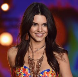 Victoria's Secret Fashion Show 2015: saiba como copiar os cabelos com volume e movimento natural das angels