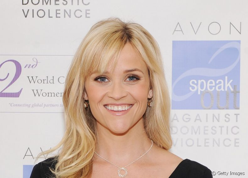 A atriz Reese Witherspoon investiu na franja lateral repicada