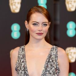 BAFTA 2017: veja as tendências capilares de Emma Stone e mais famosas no red carpet do evento; 16 fotos!