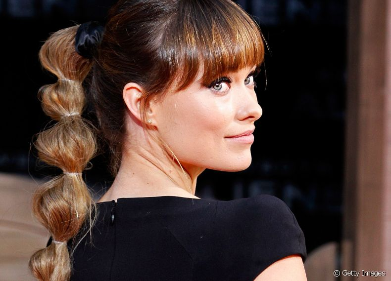 A atriz Olivia Wilde é adepta do penteado Bubble