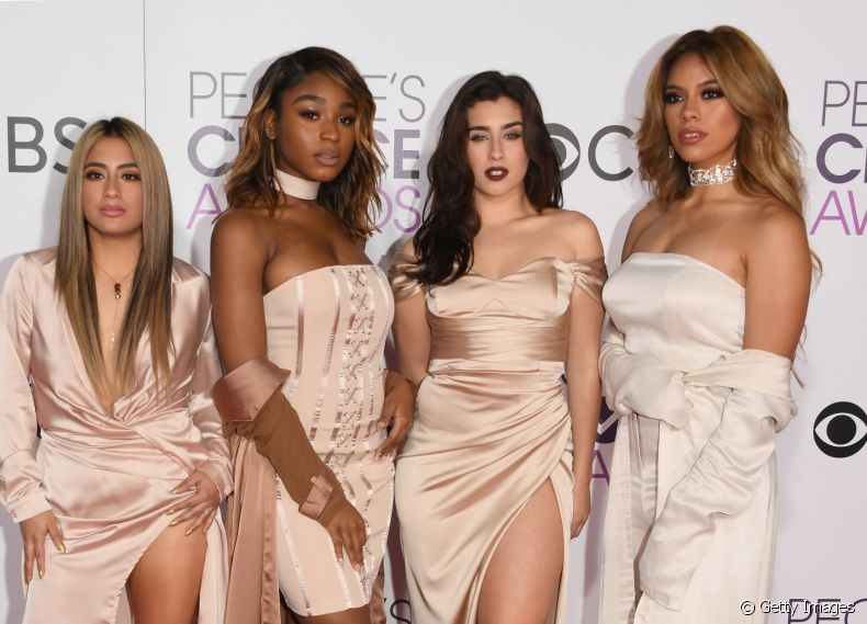As integrantes do Fifth Harmony arrasaram no look do People's Choice Awards 2017