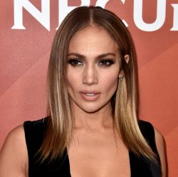 Mechas de cabelo tiger eye: 12 fotos de Jennifer Lopez e + famosas com o visual do momento!