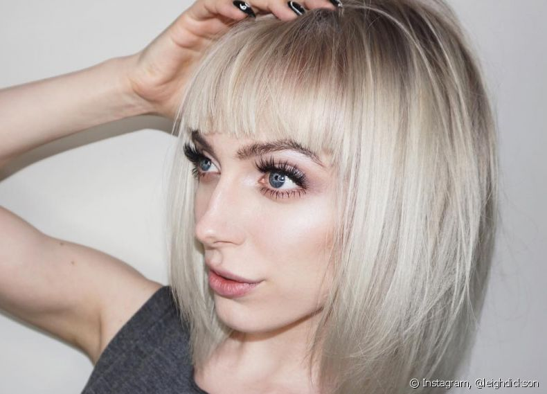 O long bob platinado é um look atemporal